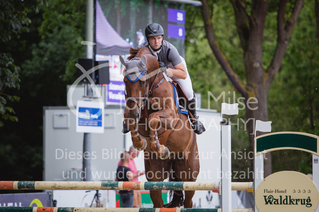 200821_Delbrück_Youngster-M-646   Delbrück Masters 2020 Springprüfung Kl. M* Youngster Springen 6-8jährige Pferde