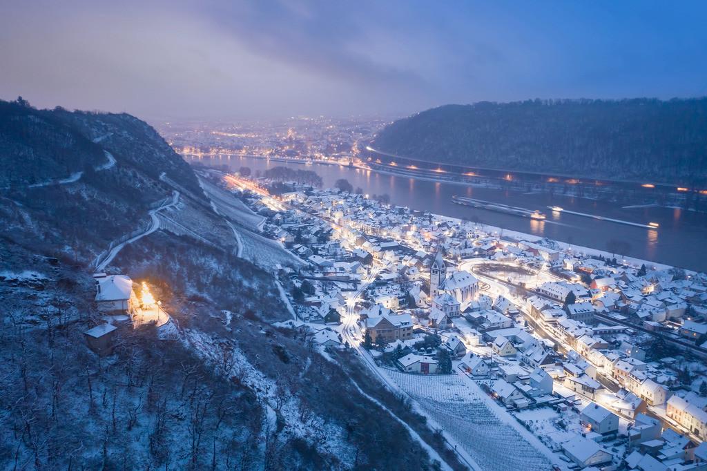 Winterstimmung Leutesdorf | Die Serie 'Leuchtender Rhein' zeigt den Rhein in leuchtenden Farben.