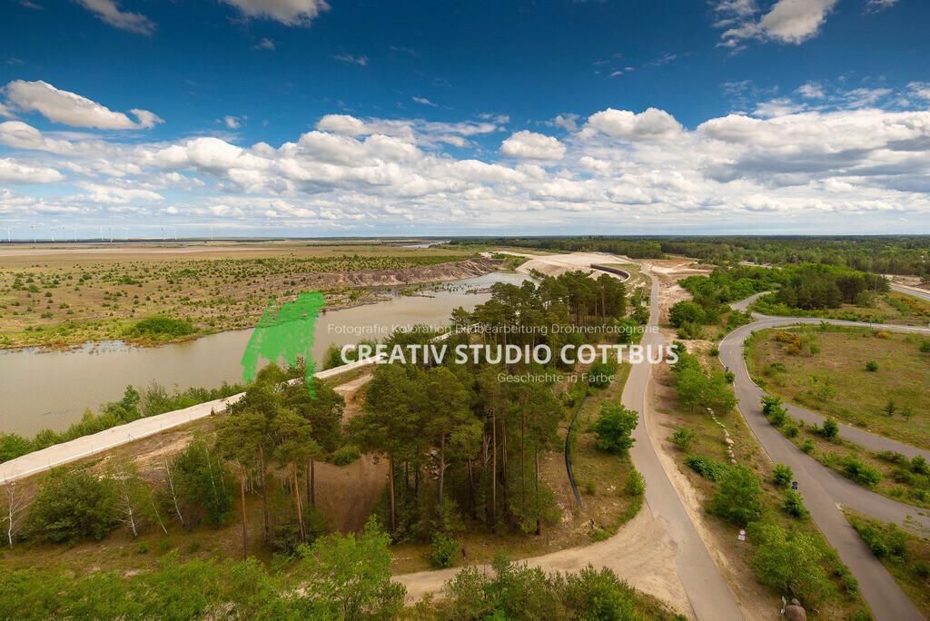 Zukünftiger Cottbuser Ostsee | Ausblick vom Aussichtsturm Merzdorf mit Blick auf den zukünftigen Cottbuser Ostsee.