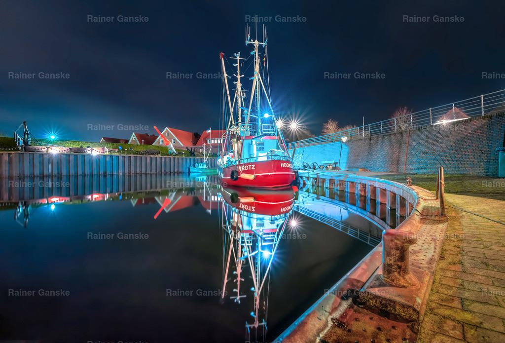 171215-5-Hooksiel Hafen Boot Nacht