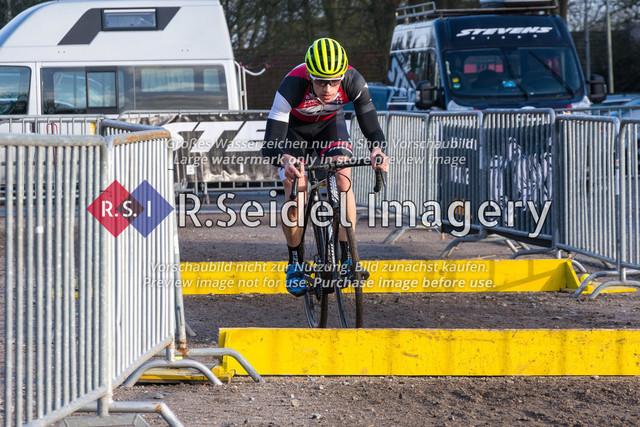 Radsport, Stevens Cyclocross Cup 2019, 10. Lauf (RSG Nordheide), Rennen 9 (Elite Herren + U23, Masters 2 / Elite Ü40 und Junioren U19), Buchholz i.d.N., 19.01.2020 | Max Lindenau (RV Germania Hamburg, #1, Elite)