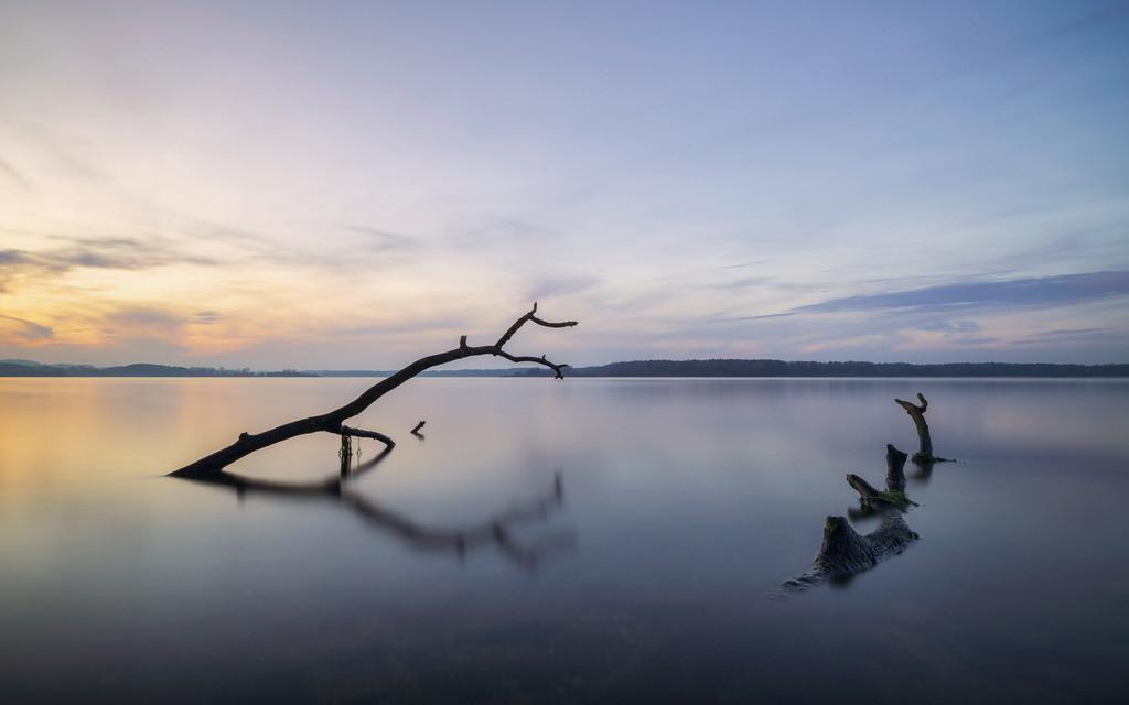 Late Autumn Calm | Spätherbstliche blaue Stunde am Westensee