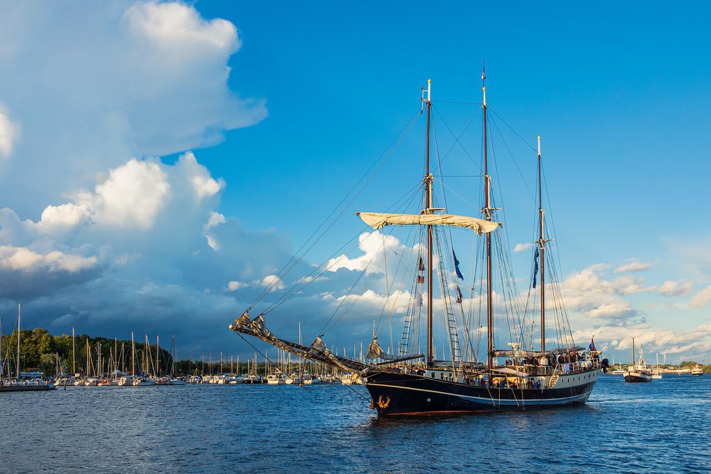 Segelschiffe auf der Warnow während der Hanse Sail in Rostock | Segelschiffe auf der Warnow während der Hanse Sail in Rostock.