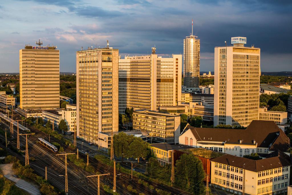 JT-130808-009 | Die Skyline von Essen,