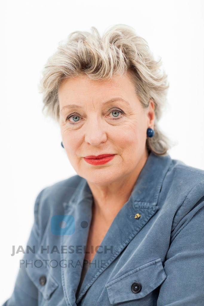 "Peggy Lukac | Rote Rosen - Fototermin am 2.9.2013 in Hamburg. Die ARD-Telenovela ""Rote Rosen"