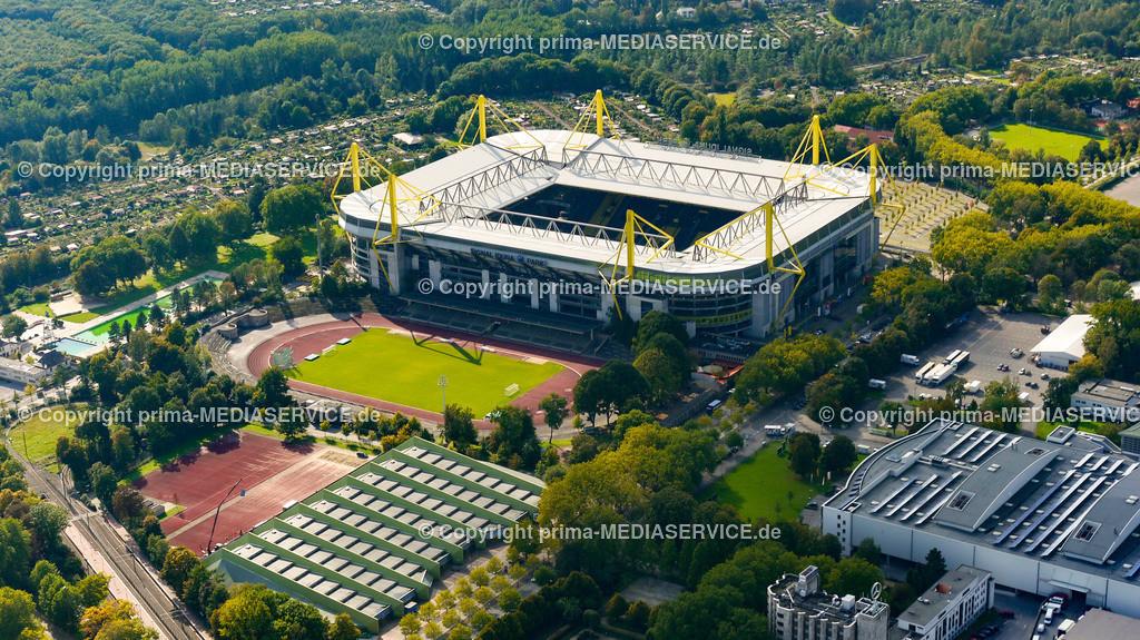 2010-10-01 Luftbilder Dortmund | Deutschland / Nordrhein-Westfalen / Dortmund / Steinerne Brücke / Signal-Iduna-Park (Westfalenstadion) Foto: Michael Printz / PHOTOZEPPELIN.COM