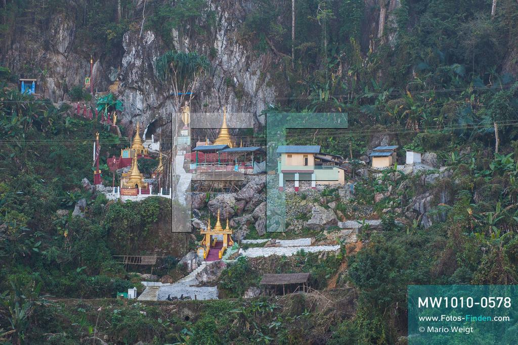 MW1010-0578 | Myanmar | Kachin State | Reportage: Schiffsreise von Bhamo nach Mandalay auf dem Ayeyarwady | Bergkloster U Daung Min Taung, auch bekannt als Peacock-Kloster, hinter dem Ort Sinkhan  ** Feindaten bitte anfragen bei Mario Weigt Photography, info@asia-stories.com **