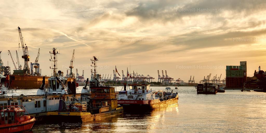 12039014 - Sonnenuntergang am Hamburger Hafen | Blick von den Landungsbrücken auf den Hamburger Hafen