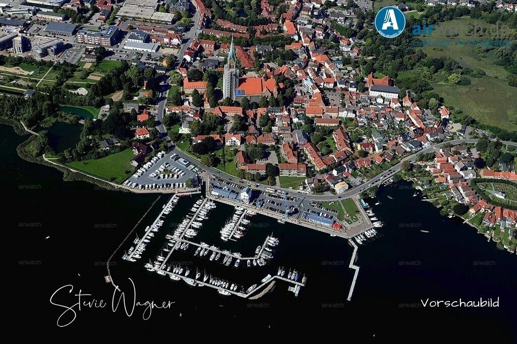 Luftbild Schleswig, St.Petri-Dom, Am Hafen, Ostseefjord, Schlei   Luftbild Schleswig, St.Petri-Dom, Am Hafen, Ostseefjord, Schlei • max. 6240 x 4160 pix