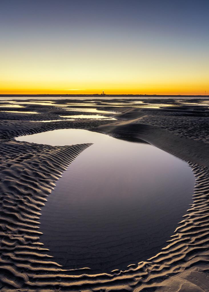 The Tidal Pool I | Gezeitentümpel mit tollen Strukturen auf der Sandbank vor St. Peter-Ording +++ Image by Matt Rimkus Photography (https://rimkus.photo)