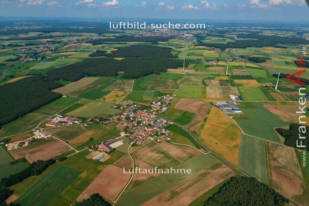 pirkach-emskirchen-18-797   aktuelles Luftbild von Pirkach Emskirchen - Luftaufnahme wurde 2018 von https://frankenair.de mittels Flugzeug (keine Drohne) erstellt.