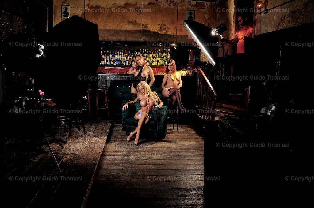 Gruppenfoto | Aus einem Kneipenshooting in Berlin im Velvet mit, Roxxy x, Lulu Gun und Estefania