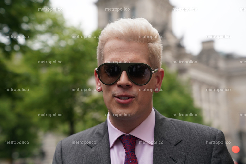 Milo Yiannopoulos (24)