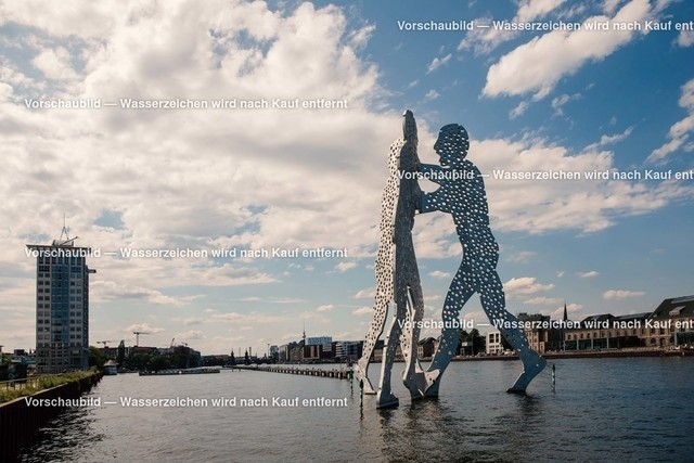Berlin Molecule Man | Molecule Man Berlin Spree