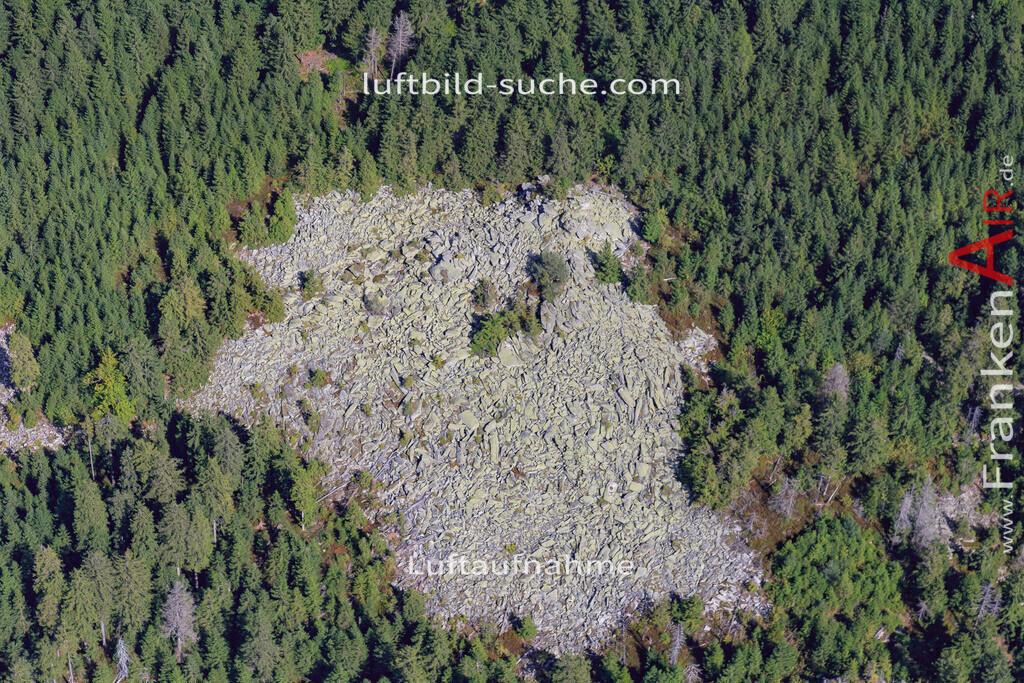 schneeberg-17-5395 | Luftbild von Schneeberg  - Luftaufnahme wurde 2017 von https://frankenair.de mittels Flugzeug (keine Drohne) erstellt - die Geschenkidee