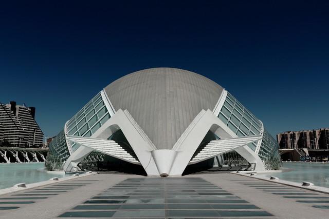 Der Riesenkäfer | L'Hemisfèric in Valencia