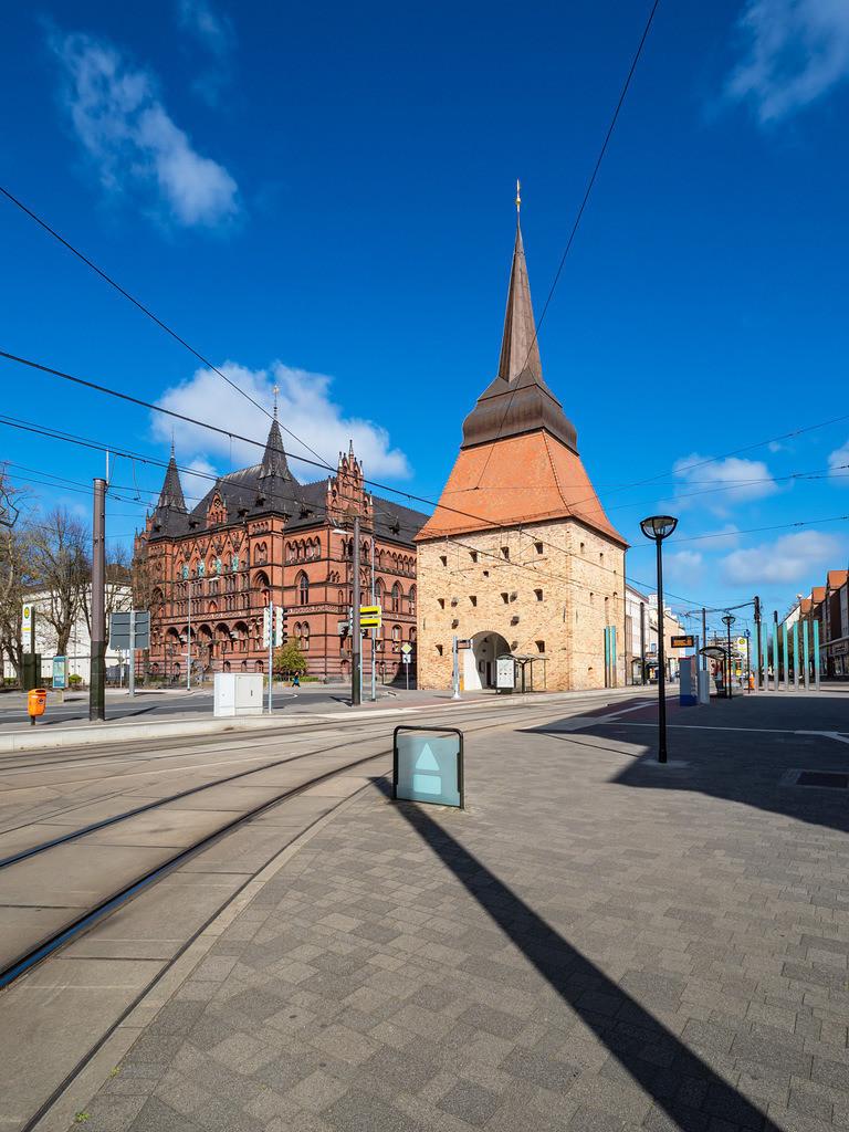 Blick auf Steintor und Ständehaus in der Hansestadt Rostock   Blick auf Steintor und Ständehaus in der Hansestadt Rostock.