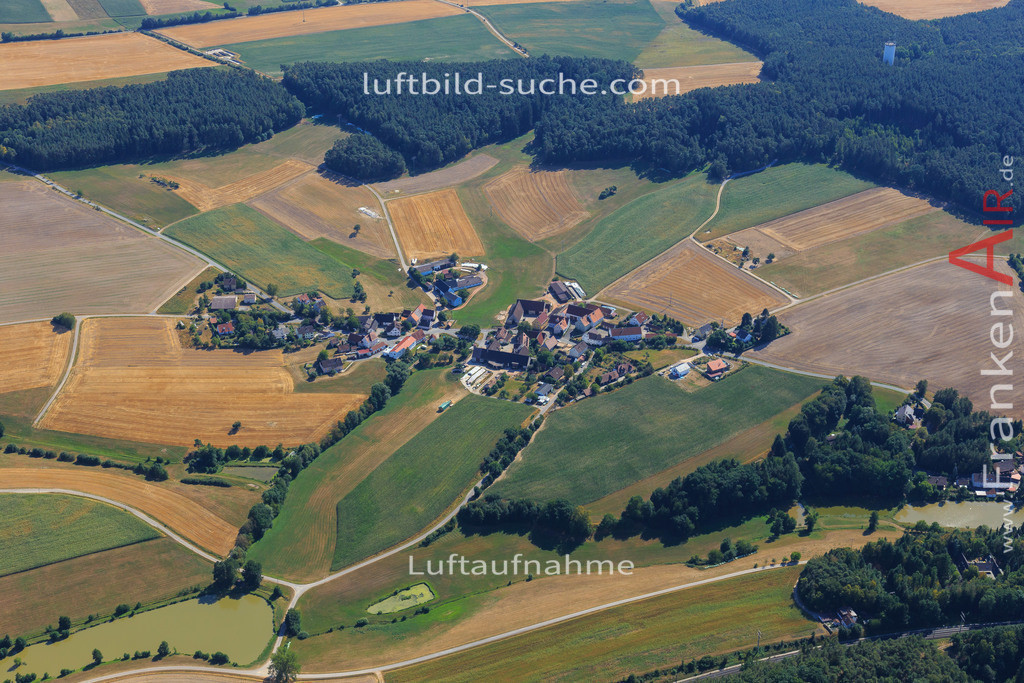 oberstrahlbach-neustadt-2015-96 | Luftbild von Oberstrahlbach Neustadt - Luftaufnahme wurde 2015 von https://frankenair.de mittels Flugzeug (keine Drohne) erstellt - die Geschenkidee