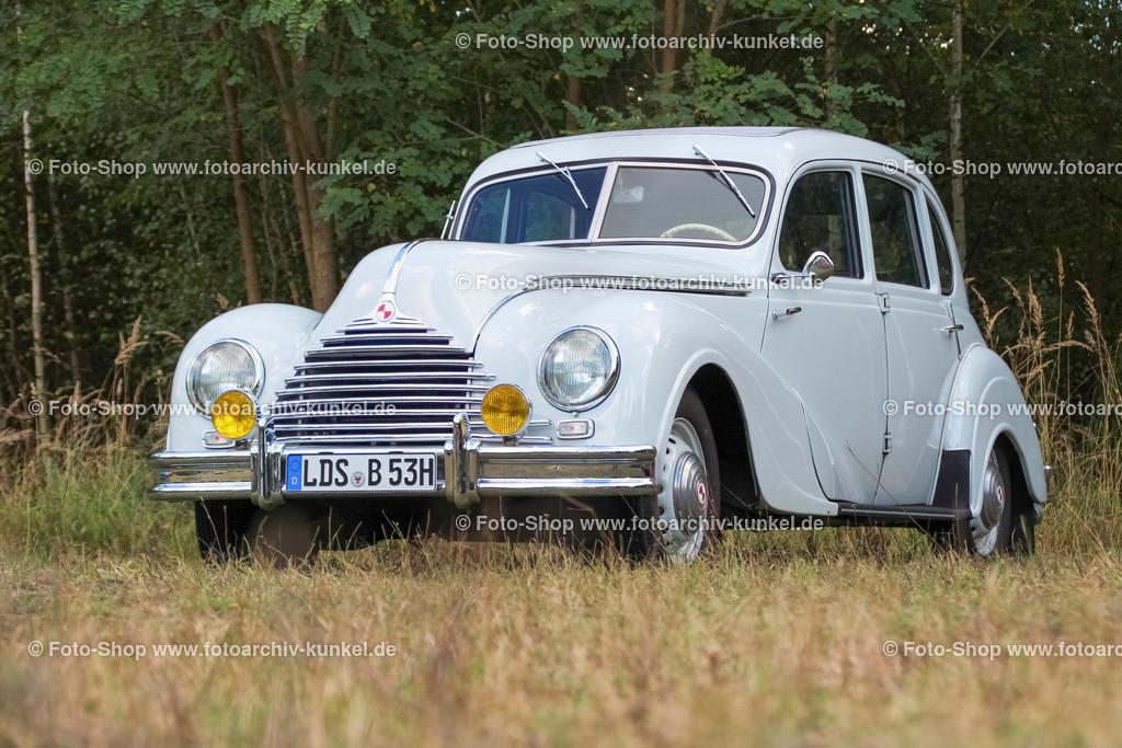 EMW 340-2 Limousine 4 Türen, 1952 (1952-55) | EMW 340-2 Limousine 4 Türen, Farbe: Weiss, Baujahr: 1952, Bauzeit: 1952-1955, Motor: Reihen-Sechszylinder-Motor, Leistung: 55 PS, VEB Eisenacher Motorenwerk, ehemals BMW, DDR, IFA
