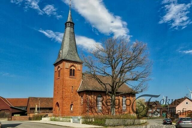 Matthäuskirche in Sillium | Die evangelische Backsteinkirche wurde 1883 vom Architekten Reimers erbaut. Der Backsteinturm folgte 1913.