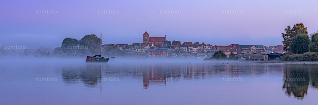 191006_0709-1130   Sonntag früh vor dem Sonnenaufgang an der Müritz. Wenn Nebel ist weiß ich immer gar nicht wo ich als erstes hinfahren soll ;-)