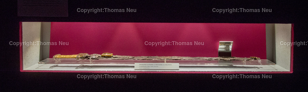 Museum-6 | Bensheim,Museum, Unsere Vorfahren, Stadtmagazin 39, Mira Winger, prunkvolles Schwert als Grabbeilage,  ,, Bild: Thomas Neu,, Bild: Thomas Neu
