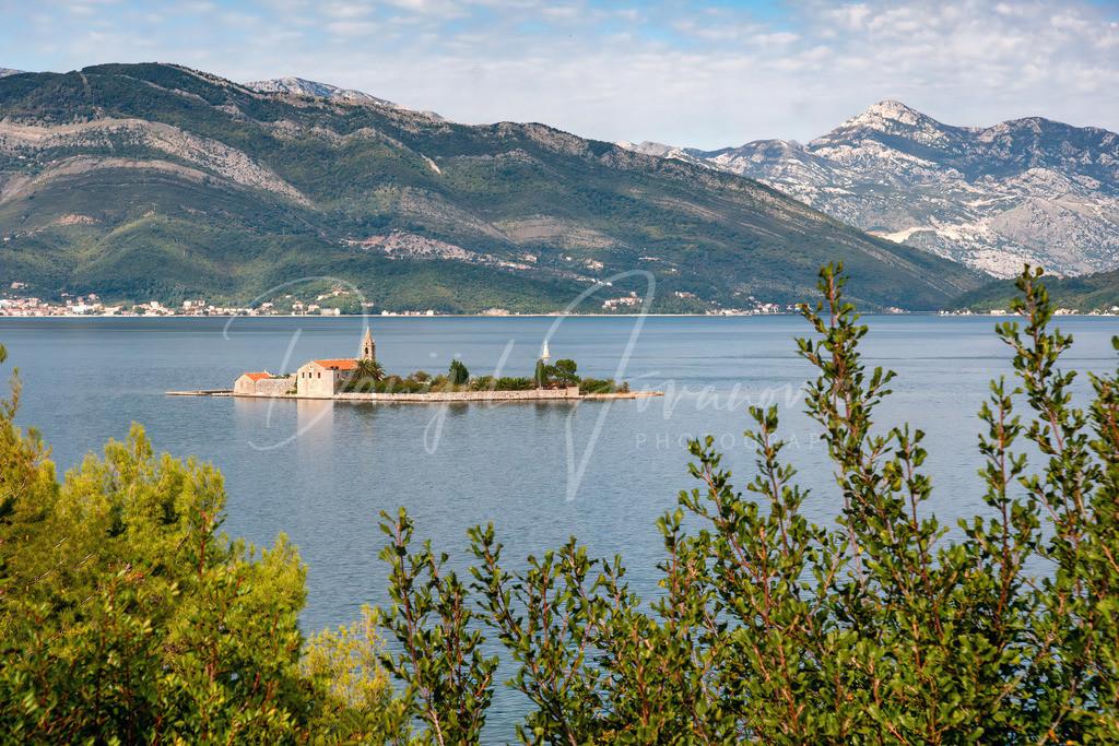Sveti Marko | Kleine Kircheninsel in der Bucht von Kotor