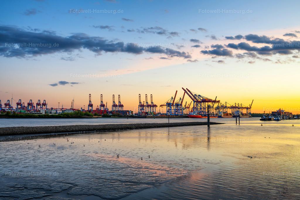 10200504 - Abendlicht an der Elbe | Spektakulärer abendlicher Blick über die Elbe auf den Hamburger Hafen.