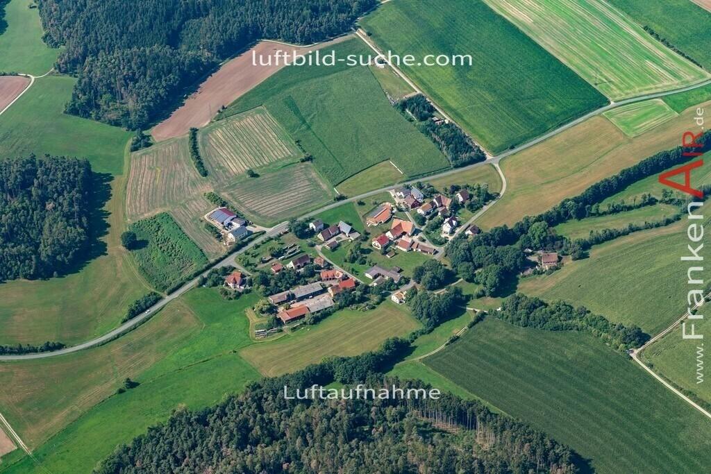 steinbach-19-582   aktuelles Luftbild von Steinbach   - Luftaufnahme wurde 2019 von https://frankenair.de mittels Flugzeug (keine Drohne) erstellt.