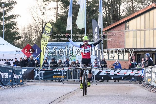 Radsport, Stevens Cyclocross Cup 2019, 10. Lauf (RSG Nordheide), Rennen 9 (Elite Herren + U23, Masters 2 / Elite Ü40 und Junioren U19), Buchholz i.d.N., 19.01.2020   Yannick Gruner (Harvestehuder RV 1909 e.V., #38, Elite)