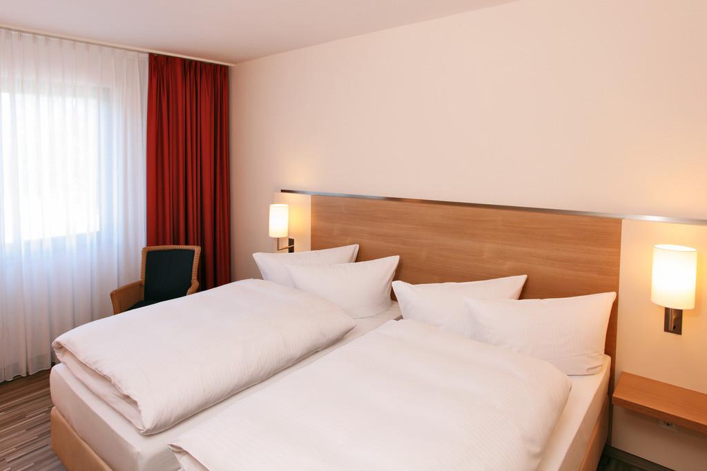 standardzimmer-01-hplus-hotel-bochum
