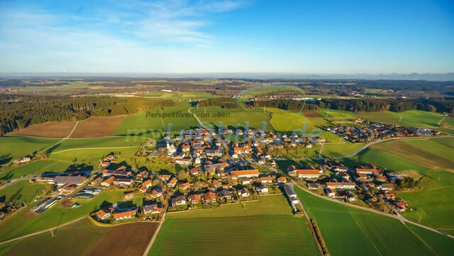 luftbild-nussdorf-chiemgau-bruno-kapeller-59 | Luftaufnahme von Nußdorf im Chiemgau, Winter 2015. Das Dorf befindet sich ca.5 km vom Chiemsee entfernt, Landkreis Traunstein.