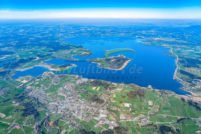 luftbild-chiemsee-prien-bruno-kapeller-01 | Luftaufnahme vom Chiemsee mit Prien