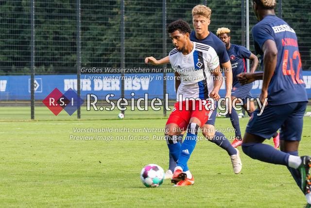 Fußball, Herren, Testspiel, Hamburger SV - FC Midtjylland, HSV-Trainingsplatz am Volksparkstadion, 20.08.2020 | Xavier Amaechi (#17, HSV)