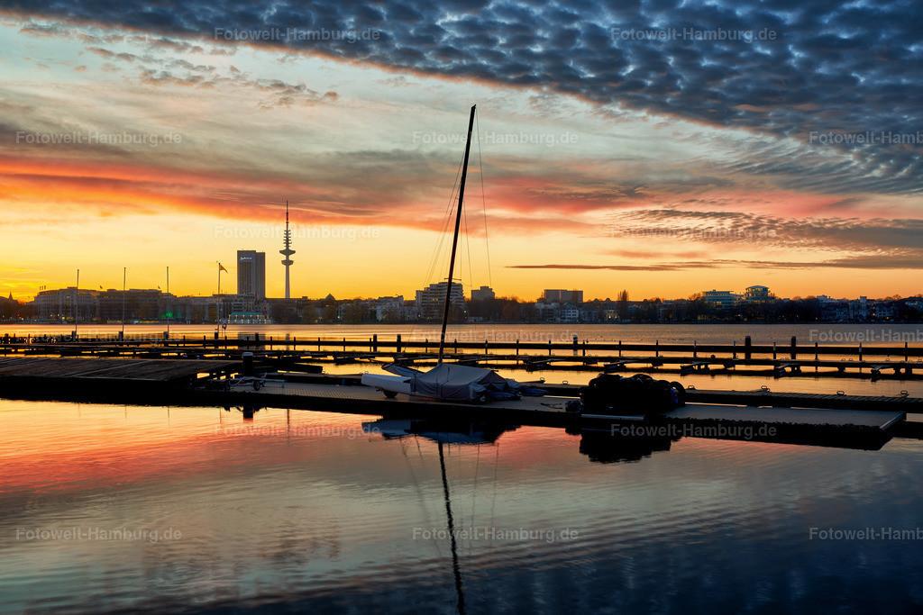 10200109 - Bootssteg bei Sonnenuntergang | Blick über die Aussenalster bei Sonnenuntergang