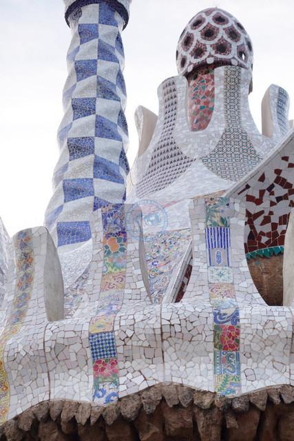 Park Güell Antoni Gaudís Garten-Parkanlage Detail verziertes Dach | ESP, Spanien, Barcelona, 16.12.2018, Park Güell Antoni Gaudís Garten-Parkanlage Detail verziertes Dach [2018 Jahr Christoph Hermann]