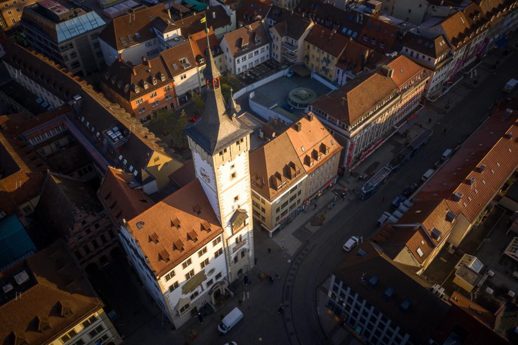 J1_DJI_0117_311019_Würzburg_Rathaus