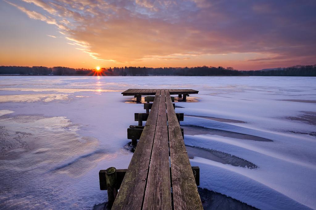 Winter Jetty Sunrise II   Winterlicher Sonnenaufgang am Bossee