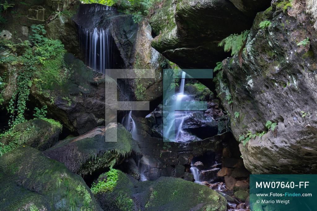 MW07640-FF | Deutschland | Sachsen | Sächsische Schweiz | Lichtenhainer Wasserfall im Kirnitzschtal im Elbsandsteingebirge  ** Feindaten bitte anfragen bei Mario Weigt Photography, info@asia-stories.com **