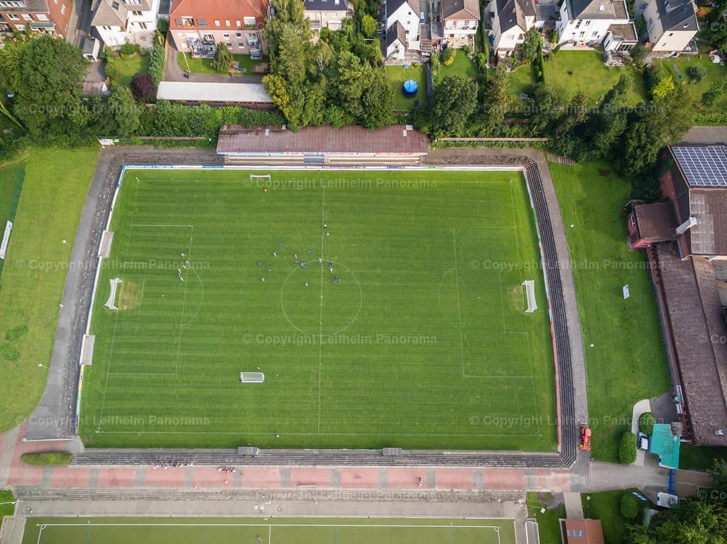 15-08-11-Leifhelm-Panorama-Jahnstadion-Roemerkampfbahn-12