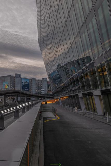 Architektur   moderne Architektur am Flughafen Zürich