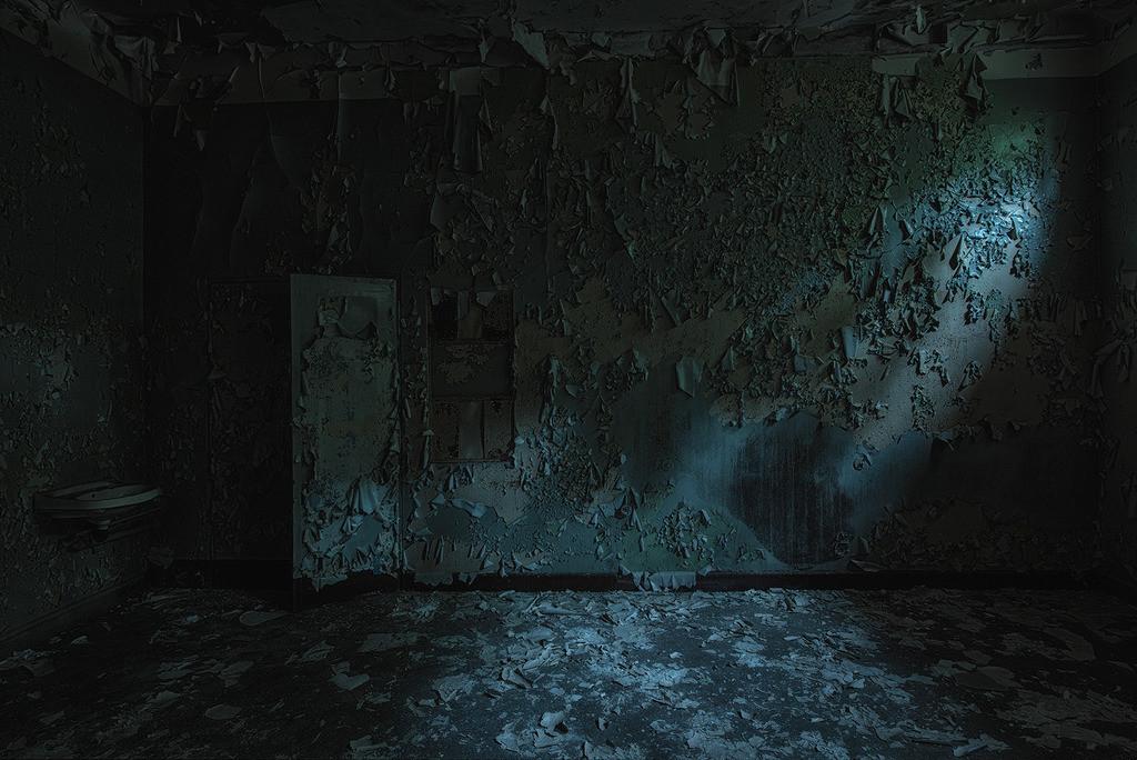 Zimmer mit Waschbecken | Krankenzimmer mit Waschbecken, Beelitz Heilstätten