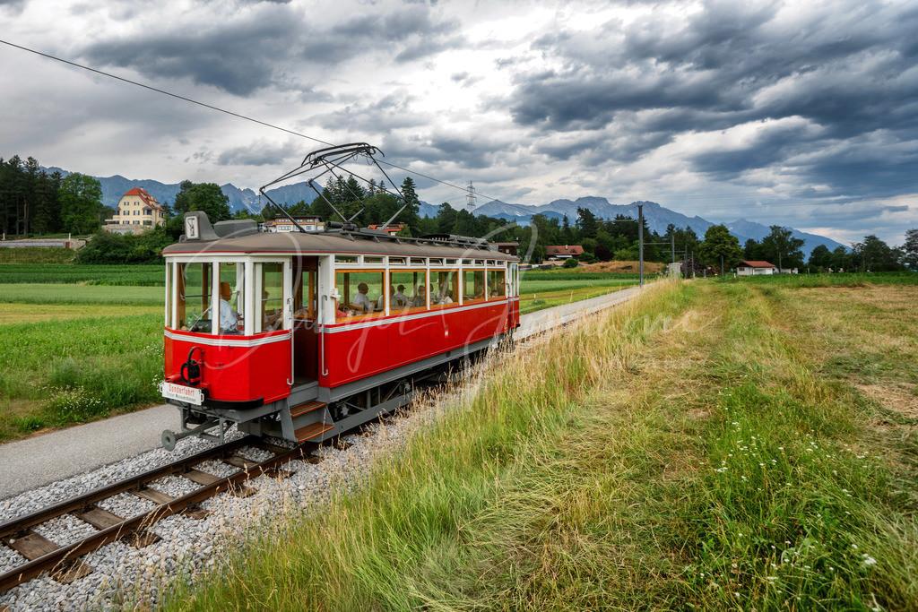 Nostalgiebahn | Der Nostalgiezug am Weg von Igls nach Innsbruck