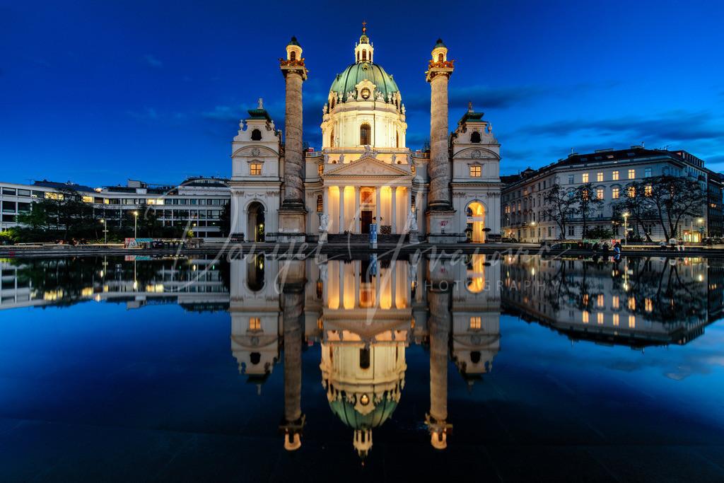 Karlskirche | Spiegelung