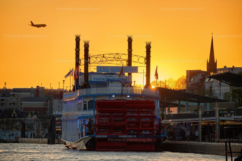 10190513 - Sonnenuntergang hinter der Louisiana Star