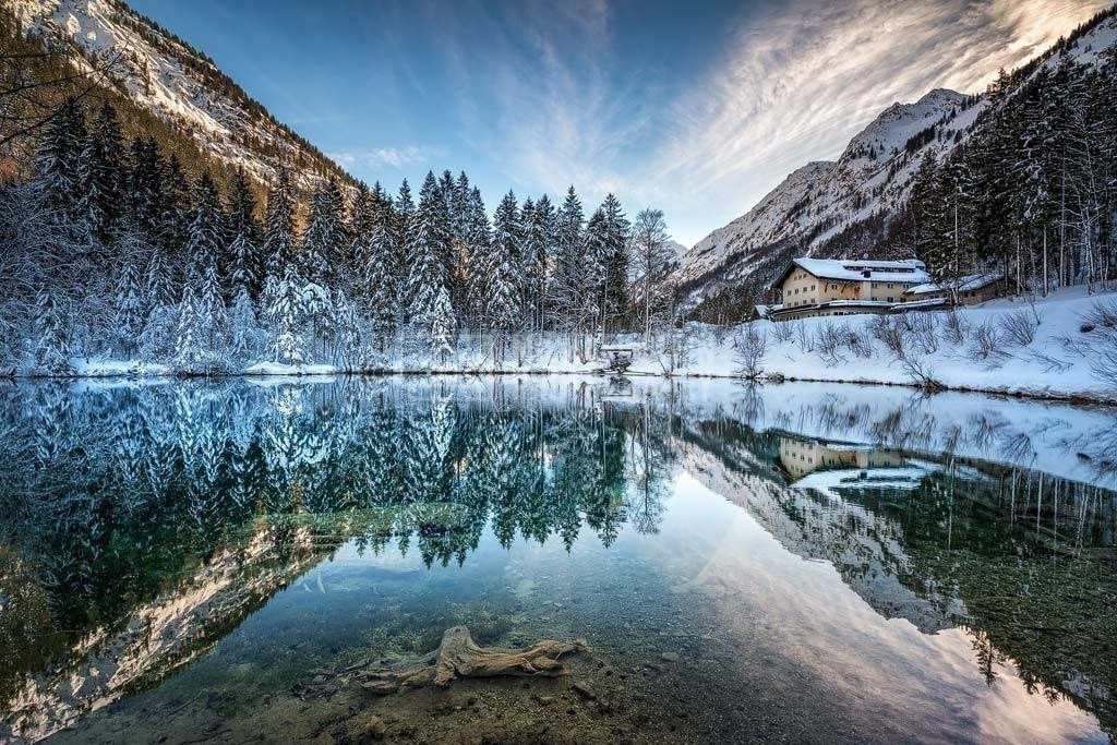 Deutschland - Spiegelung am Christlessee   SPiegelung am Christlessee im Winter mit Schnee in den Bäumen