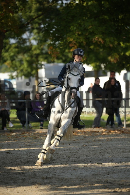 Rot am See_2021_Ponyspringprüfung_Kl.M_Vroni Grüber_Mr.Bubble (1)