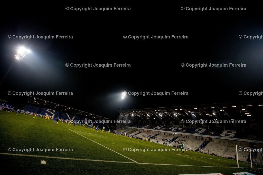 201127_svdvsbvt_0926 | 27.11.2020, xjfx, Fussball 2.BL SV Darmstadt 98 - Eintracht Braunschweig,  emspor, emonline, despor, v.l.,       (DFL/DFB REGULATIONS PROHIBIT ANY USE OF PHOTOGRAPHS as IMAGE SEQUENCES and/or QUASI-VIDEO)