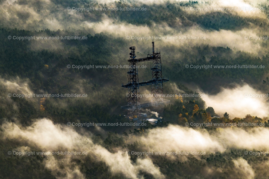Gusborn Fernmeldeturm_ELS_9497031118 | Gusborn - Aufnahmedatum: 03.11.2018, Aufnahmehöhe: 530 m, Koordinaten: N53°05.947' - E11°11.696', Bildgröße: 8014 x  5343 Pixel - Copyright 2018 by Martin Elsen, Kontakt: Tel.: +49 157 74581206, E-Mail: info@schoenes-foto.de  Schlagwörter:Niedersachen,Luftbild, Luftbilder, Deutschland