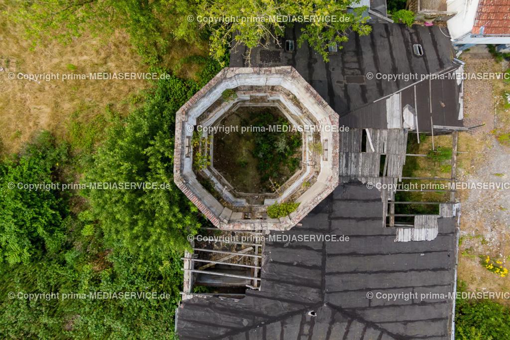 20190706-Luftbilder St. Laurentius Kapelle Waltrop | 06.07.2019 in Waltrop (Nordrhein-Westfalen, Deutschland)  Luftbild eines alten Hofes nahe der St. Laurentiuskapellle in Waltrop Leveringhausen.  Foto: Michael Printz / PHOTOZEPPELIN.COM